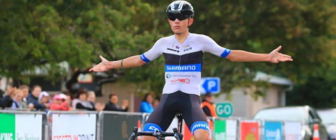 Daniel Whitehouse loses appendix but wins Le Race title