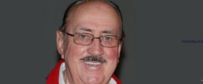 Master swim coach and comic Ken Wood dies in Brisbane, aged 88