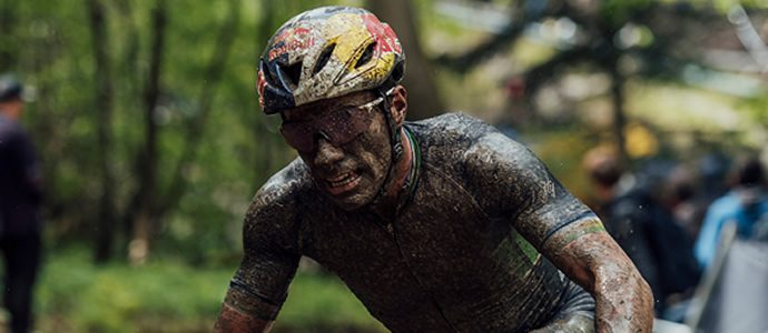 Puncture and big wet derail Cooper in mountain bike world cup