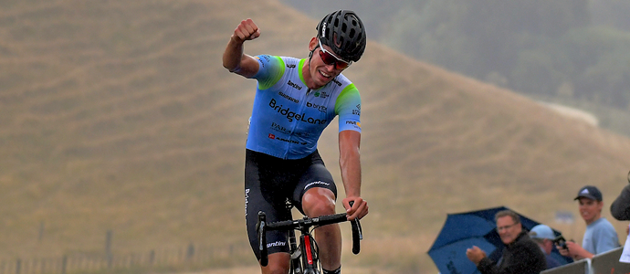 NZ Cycle Classic stage 4 - brave win by Rylee Field